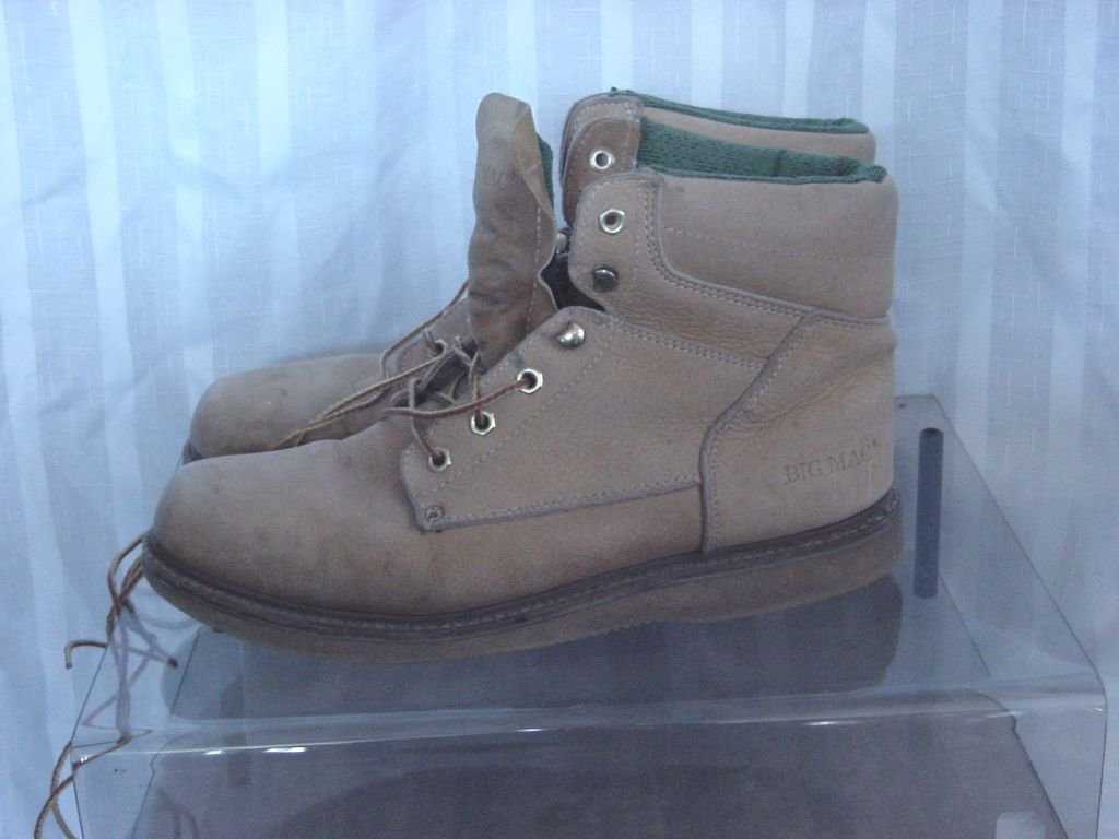 Mens Big Mac Boots Work Boots Tan Size  11 D Good Condition