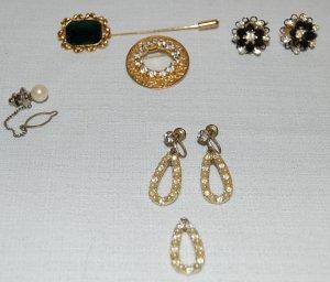 Small Lot of Vintage Rhinestone & Pearl Costume Jewelry