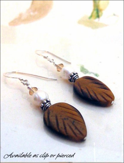 Earthy: Tiger eye and pearl earrings