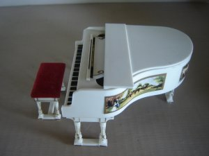 Royal Grand Piano Petite Princess Ideal Toy Corp Fantasy Furniture vintage doll house miniature