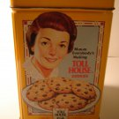 Nestle Toll House cookie collectible tin vintage look 6 by 4 inches with lid excellent condition