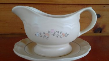 Pfaltzgraff gravy boat Remembrance discontinued pattern