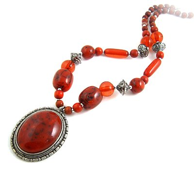 24600-resin with alloy necklace