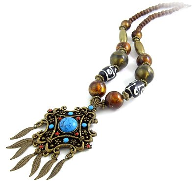 24603-resin with alloy necklace