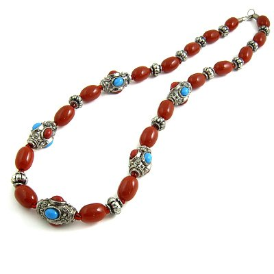 24616-resin with alloy necklace