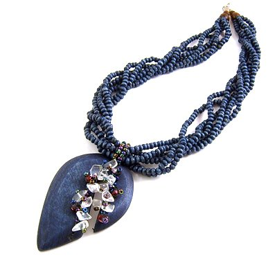 24619-resin with alloy necklace