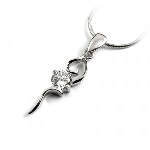 24667-Sterling silver with rhinestoe pendant