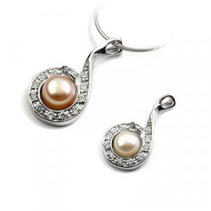 24678-Sterling silver,pearl,rhinestoe pendant
