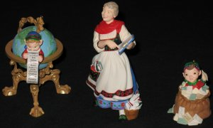 Lettera, Mrs. Claus, & Globus ornament set