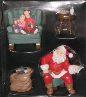 Santas Big Night ornament set