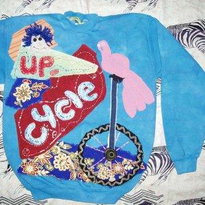Up Cycle primitive Sweatshirt with birds Medium 870