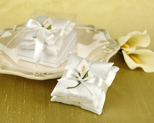 Calla Lily Satin Pillow Sachets in Calla Lily Print Gift Box