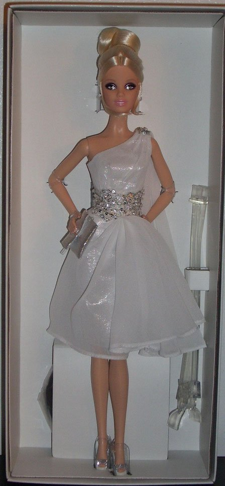 Pinch of Platinum Barbie Doll Fan Club Exclusive NRFB OBO