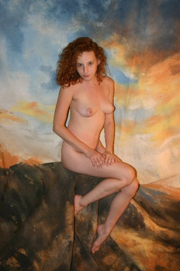 "Hot naked redhead ""outdoors"""