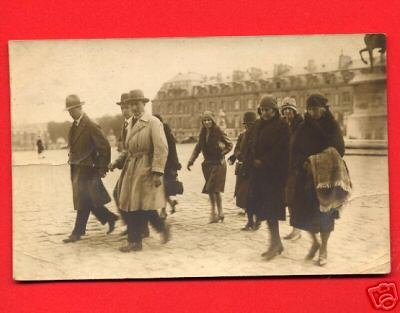Vintage Real Photo Postcard RPPC - People walking on Paris France street 881