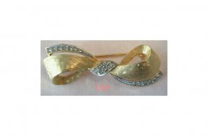 DeNicola De Nicola Golden Bow Brooch Pin Rhinestones