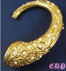 DeNicola De Nicola Etruscan Horn Pin Brooch Milkglass