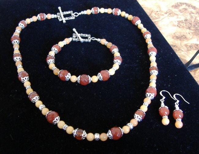 FREE SHIPPING Carnelian and aventurine necklace set