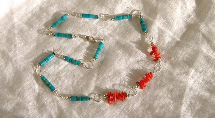FREE SHIPPING Gorgeous turquoise and red coral necklace