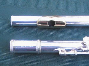 GEMEINHARDT FLUTE 22 SP WITH GOLD LIP PLATE EXCELENT CONDION FREE SHIPPING TO LOWER FORY EIGHT