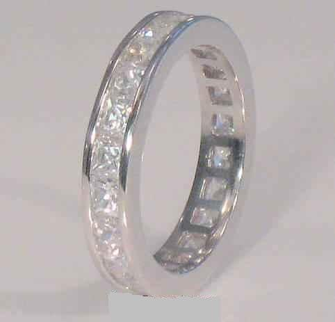 SZ 8 - 3.00 Ct PRINCESS CUT ETERNITY BAND WEDDING RING
