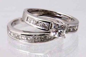 SZ 7 - 2.50 CARAT PRINCESS CUT WEDDING ENGAGEMENT RING SET