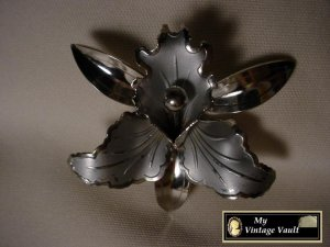 Vintage Large Silver Flower Pin