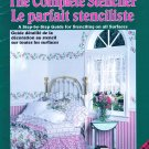 THE COMPLETE STENCILER A BEGINNER'S GUIDE STEP-BY-STEP PLAID CA8132 FRENCH ENGLISH