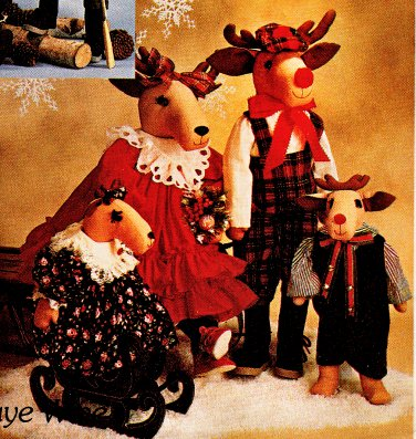 CHRISTMAS REINDEER FAMILY DOLLS + CLOTHES OOP MCCALLS 4532 PATTERN MINT UNCUT
