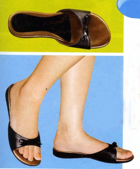 NLS-CLE Black Low Heeled Sandals