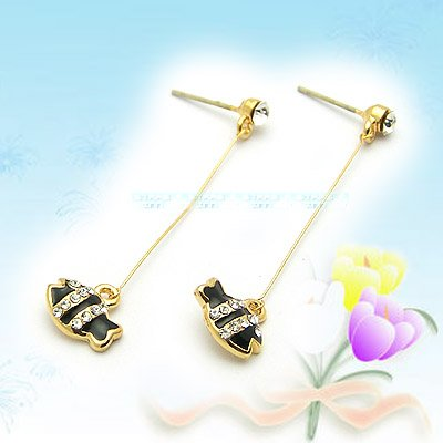Cute Black Cartoon Fish Earrings E040131