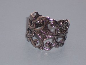 Silver Filigree Ring with Leaves and Flowers Designs