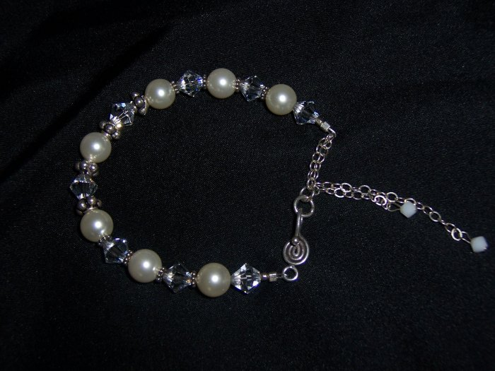 White Pearls and Swarovski Crystal Bracelet
