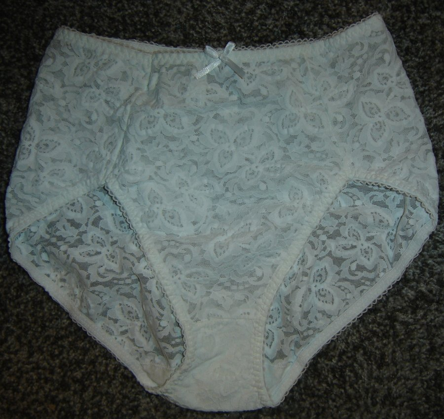 Bali Sheer ALL LACE Virgin White Panties, Size L; Beautiful!! NWOT