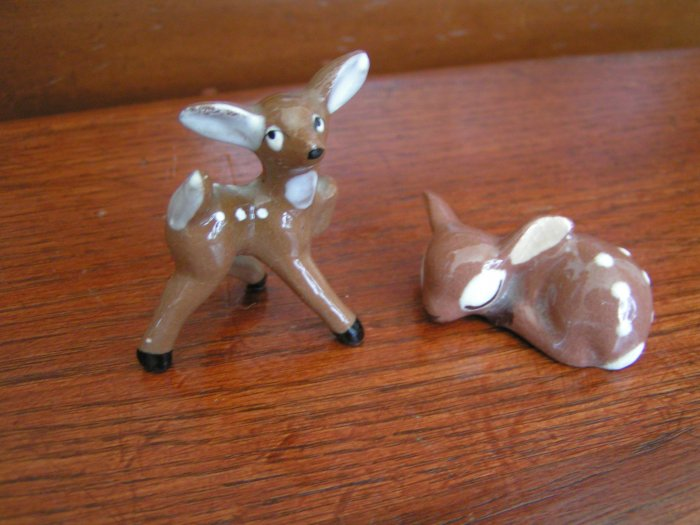 2 Adorable Vintage Fawns