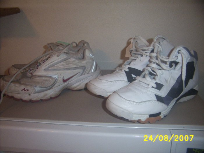 Mens used shoes x 2 pair Nikes size 7 1/2 used shoes