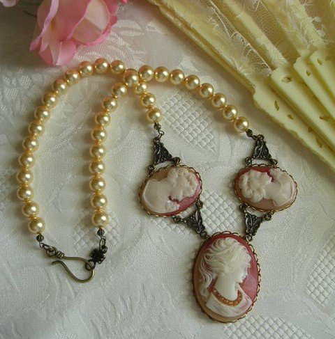 Antique Style Pearl Necklace With Three Cameos