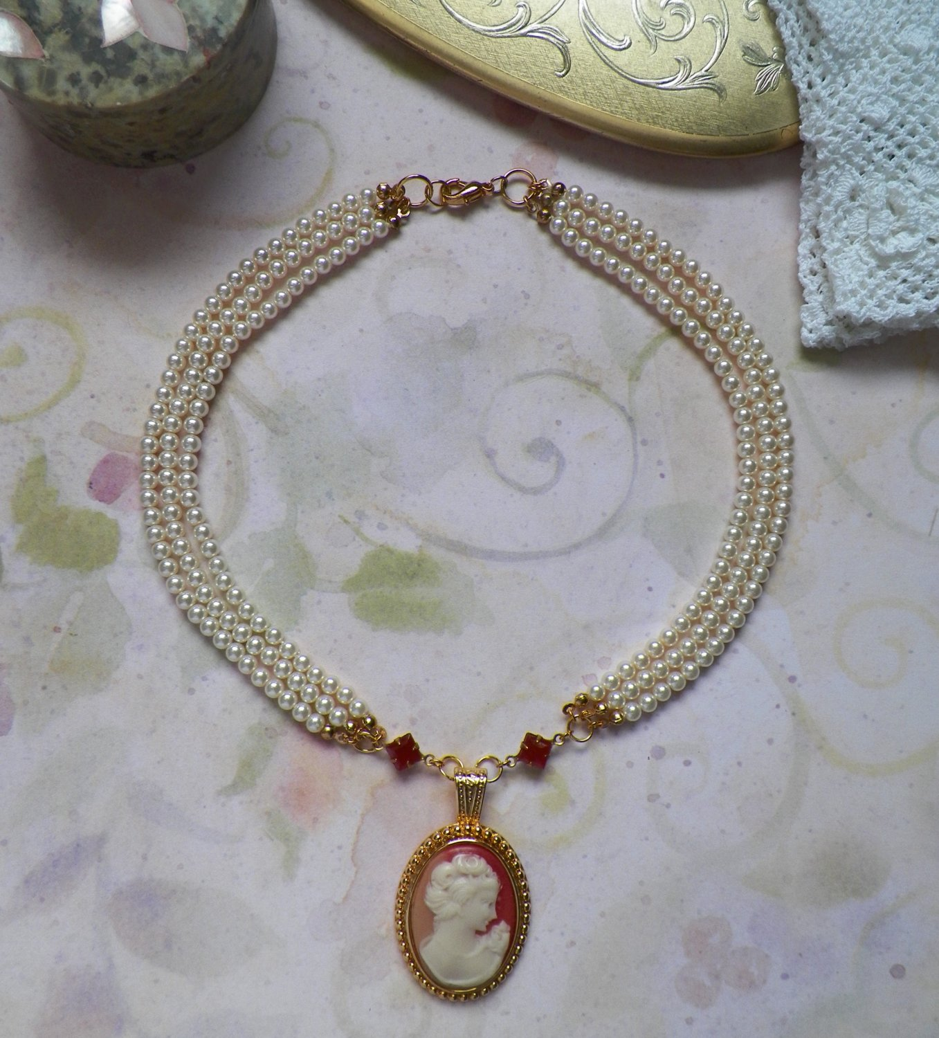 Cameo Pendant Necklace with Pearls