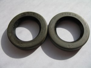TECUMSEH OIL SEALS-26208-25492-PTO SIDE--SEARS