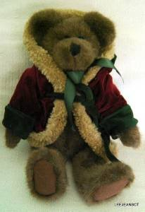 "Boyds Bear Christmas Red Green Hooded Robe and Bell Retired 14"" 1985-1997"
