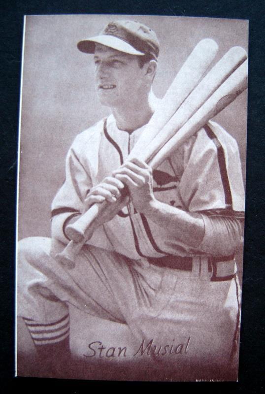 1947-1966 Arcade Exhibit Card Baseball Stan Musial St Louis Cardinals Kneeling