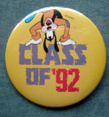 "Disney Goofy PIN Walt Disney Class of ""92 3"" Diameter"