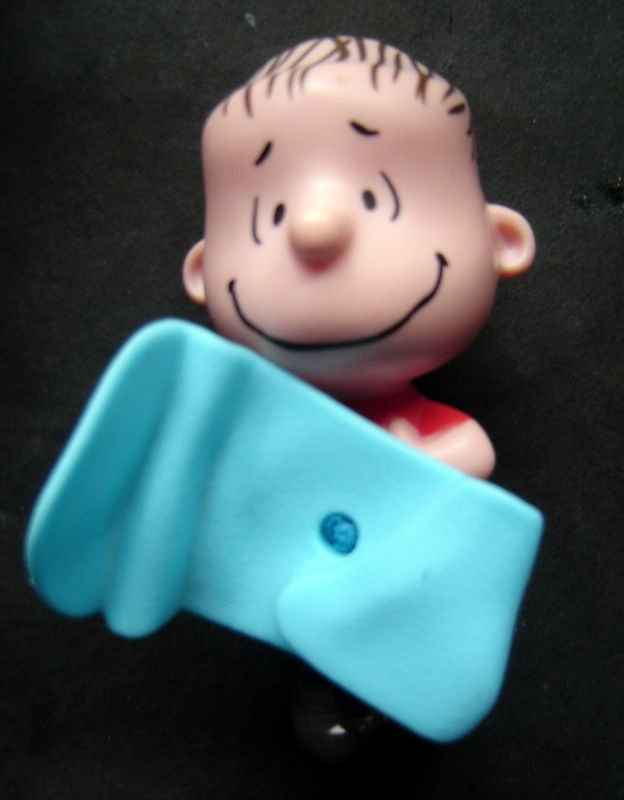 Peanuts Linus with Blue Blanket McDonalds Happy Meal Pull Toy 2015