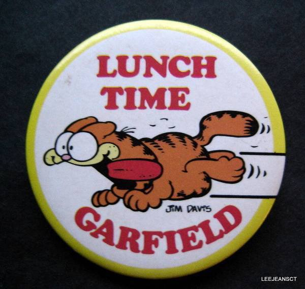 "Lunch Time Garfield the Cat Jim Davis PIN  2"" Diameter"