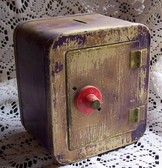 Vintage tin toy safe perfect for altered art!