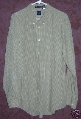 GAP button up front shirt sz XL 00585