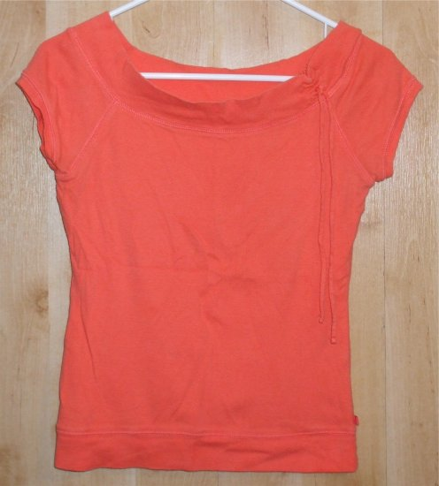 Aeropostale shirt sz Medium juniors jrs aero   001212