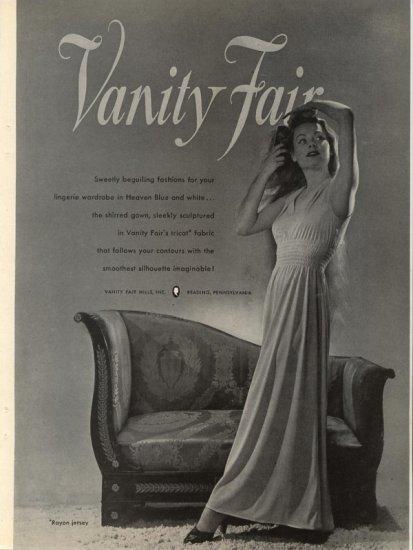 Vintage 1946 Vanity Fair Lingerie Very Dramactic AD