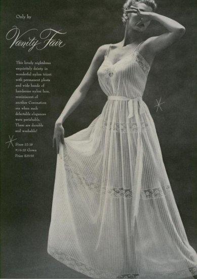 Vintage 1953 Vanity Fair Lingerie Very Dramactic AD