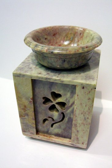Soap Stone Oil Burner - Shamrock